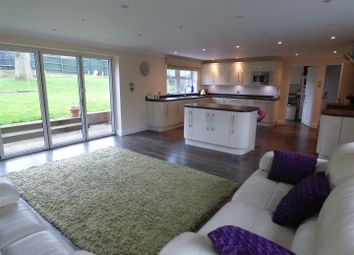 5 bed detached house for sale in Russet Drive, Shenley, Radlett WD7