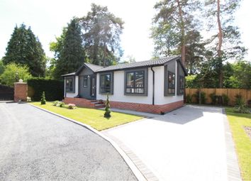Thumbnail 2 bed mobile/park home for sale in Pinecopse, Kennels Close, Wokingham RG403Nd
