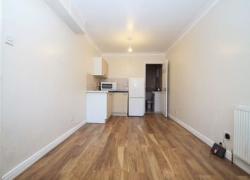 Thumbnail Property to rent in Costons Avenue, Greenford
