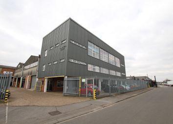 Thumbnail Property to rent in Plumpton Road, Hoddesdon
