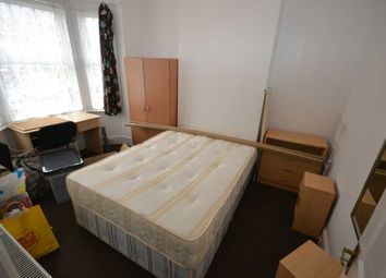 Thumbnail Room to rent in Swainstone Road, Reading, Berkshire, - Room 5