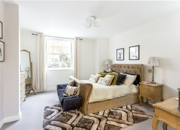 Thumbnail 2 bed flat for sale in Walsingham House, 1331 High Road, Whetstone, London