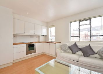 Thumbnail 1 bedroom flat to rent in Wynyatt Street, Clerkenwell, London