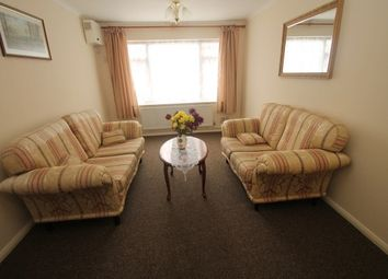 Thumbnail 1 bed flat to rent in Elgin Road, Addiscombe, Croydon