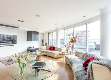 Thumbnail 3 bed flat to rent in New Providence Wharf, 1 Fairmont Avenue, Canary Wharf, London