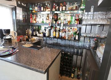 Thumbnail Restaurant/cafe for sale in Queens Road, Paignton
