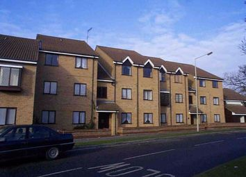 Thumbnail 1 bed flat to rent in Lion Court, Borehamwood, Herts