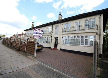 Thumbnail 2 bed flat to rent in Edgwarebury Lane, Edgware, Middlesex