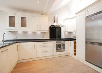 Thumbnail 2 bed cottage to rent in Princes Road, Weybridge