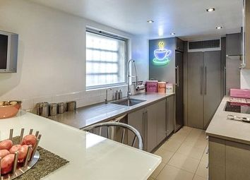 Thumbnail 4 bedroom property to rent in Meadowbank, London