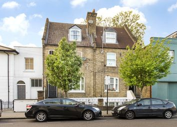 2 bed maisonette for sale in Chillingworth Road, Islington, London N7