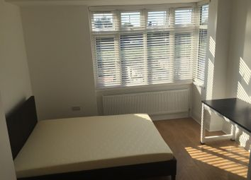 Thumbnail 5 bed property to rent in Hall Lane, London