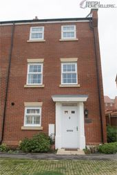 Thumbnail 4 bed town house for sale in Pipit Walk, Hemel Hempstead, Hertfordshire