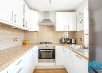 Thumbnail 2 bedroom flat to rent in Clifford Road, Barnet