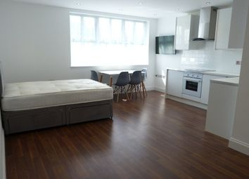 Thumbnail Studio to rent in Central Business Centre, Great Central Way, London