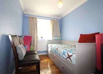 Thumbnail 4 bed property to rent in Green Close, Taplow, Maidenhead