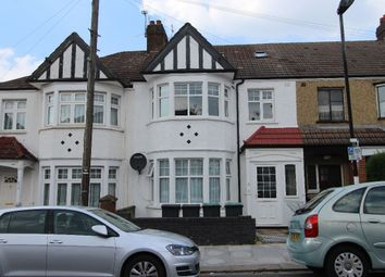 Thumbnail 4 bed flat to rent in Lyndhurst Road, London