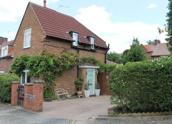 Thumbnail 3 bed property to rent in Greenstead Gardens, Putney