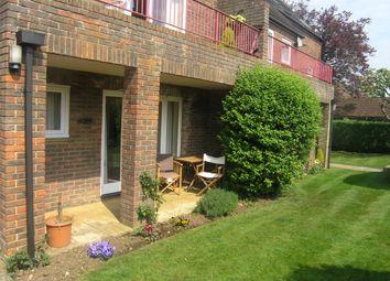 2 bed flat to rent in Hensington Road, Woodstock OX20