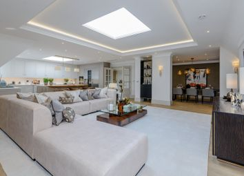 Brockenhurst Road, Ascot, Berkshire SL5. 2 bed flat for sale