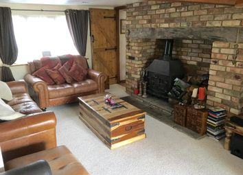 Thumbnail 3 bed cottage to rent in Watling Street, Kensworth, Dunstable