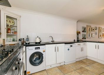 3 bed flat for sale in William Road, Caterham CR3