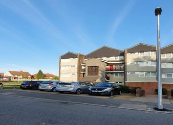 3 bed maisonette to rent in Navestock Crescent, Woodford Green IG8