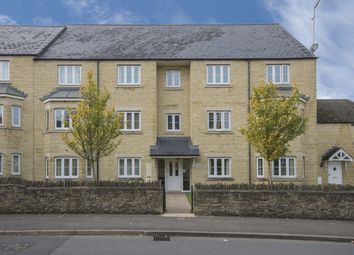 Thumbnail 2 bed flat to rent in Meadow Lane, Witney