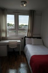 3 bed flat to rent in Westwick, Chesterton Terrace, Kingston KT1