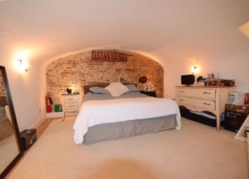 Thumbnail 1 bed flat to rent in Church Street, Windsor