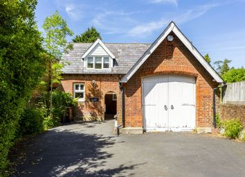 Thumbnail 5 bedroom detached house to rent in Wray Park Road, Reigate