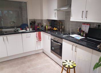 Thumbnail 1 bed flat to rent in Albion Road, Newington Green