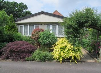 Thumbnail 2 bed mobile/park home for sale in Lydiaville Park, Bearwood Path, Winnersh, Wokingham, Berkshire