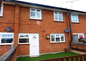 Thumbnail 3 bed flat to rent in Gloucester Avenue, Chelmsford