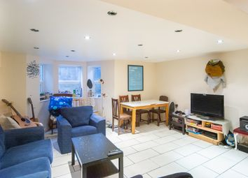 3 bed maisonette to rent in Richmond Road, London E8