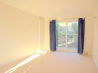 1 bed flat to rent in Meare Road, Bath BA2
