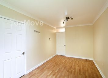 Thumbnail 1 bed flat to rent in Fernleigh Close, Croydon