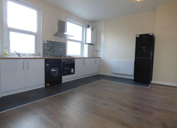 2 bed flat to rent in Monument Road, Ladywood, Birmingham B16