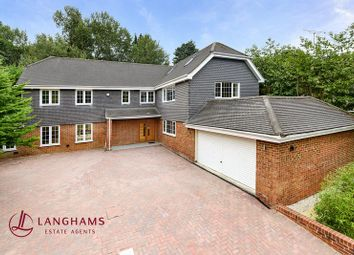 Thumbnail 6 bedroom detached house for sale in St. Leonards Hill, Windsor