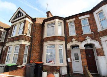 3 bed property for sale in Ampthill Road, Bedford MK42