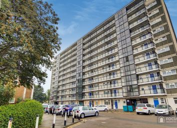 1 bed property to rent in Marchwood Close, Camberwell, London SE5