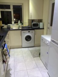 Thumbnail 2 bedroom flat to rent in Maryside, Langley, Berkshire