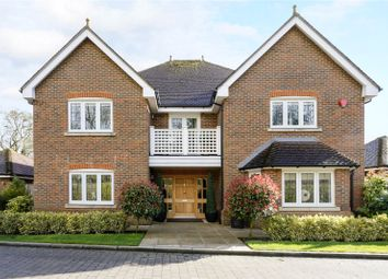 Thumbnail 5 bed detached house for sale in Eggleton Drive, Tring, Hertfordshire