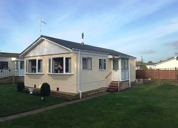 Thumbnail 2 bed mobile/park home for sale in Woodcot Park Drive, Wilmcote, Stratford-Upon-Avon