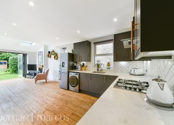 2 bed property for sale in Douglas Road, Surbiton KT6