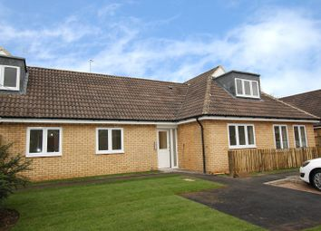 Thumbnail 2 bed flat to rent in Bewbush, Crawley, West Sussex.