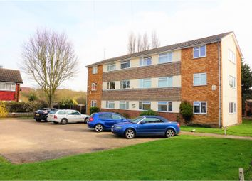 Thumbnail 2 bedroom flat for sale in Great Cullings, Romford