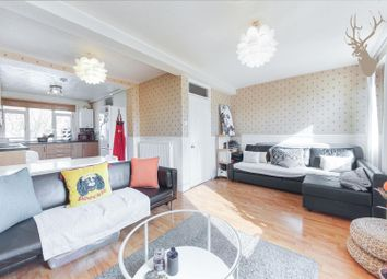 3 bed flat for sale in Roman Road, London E2