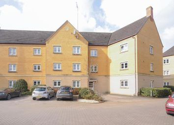 Thumbnail 2 bed flat to rent in Witney, Oxfordshire