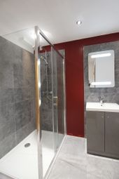 Thumbnail 2 bed flat to rent in Oldham St, Manchester